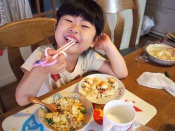 お昼は目玉焼き2.jpg